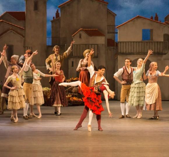 """Carlos Acosta y Marianela Nuñez, protagonistas del estreno de la nueva versión de """"Don Quijote"""", interpretada por The Royal Ballet. © ROH/ Johan Persson, 2013"""