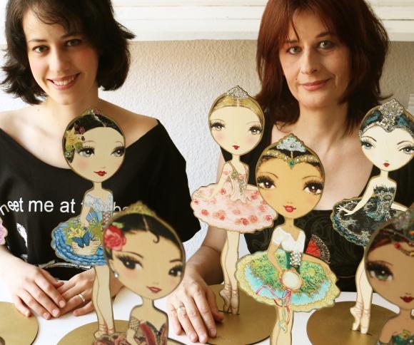 (de izda a dcha): Ambar Gavilano y Berenice La Placa, hija y madre respectivamente, ambas el alma mater de Ballet Papier. © Fotografías cedidas por Ballet Papier.